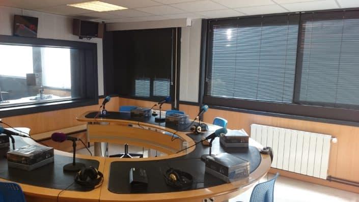 cortinas venecianas para oficina