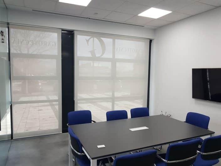 Estores enrollables para oficinas en Madrid